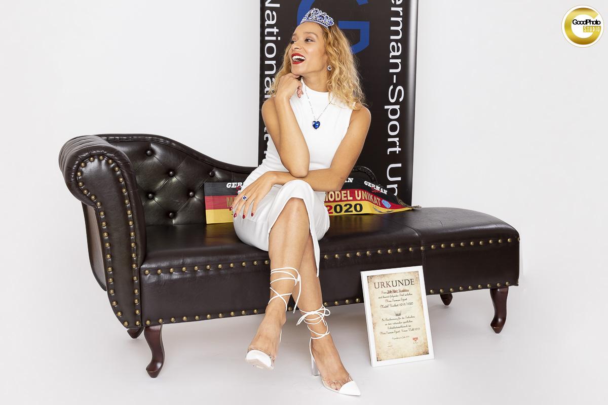 Model Zitte Marie Novakhov